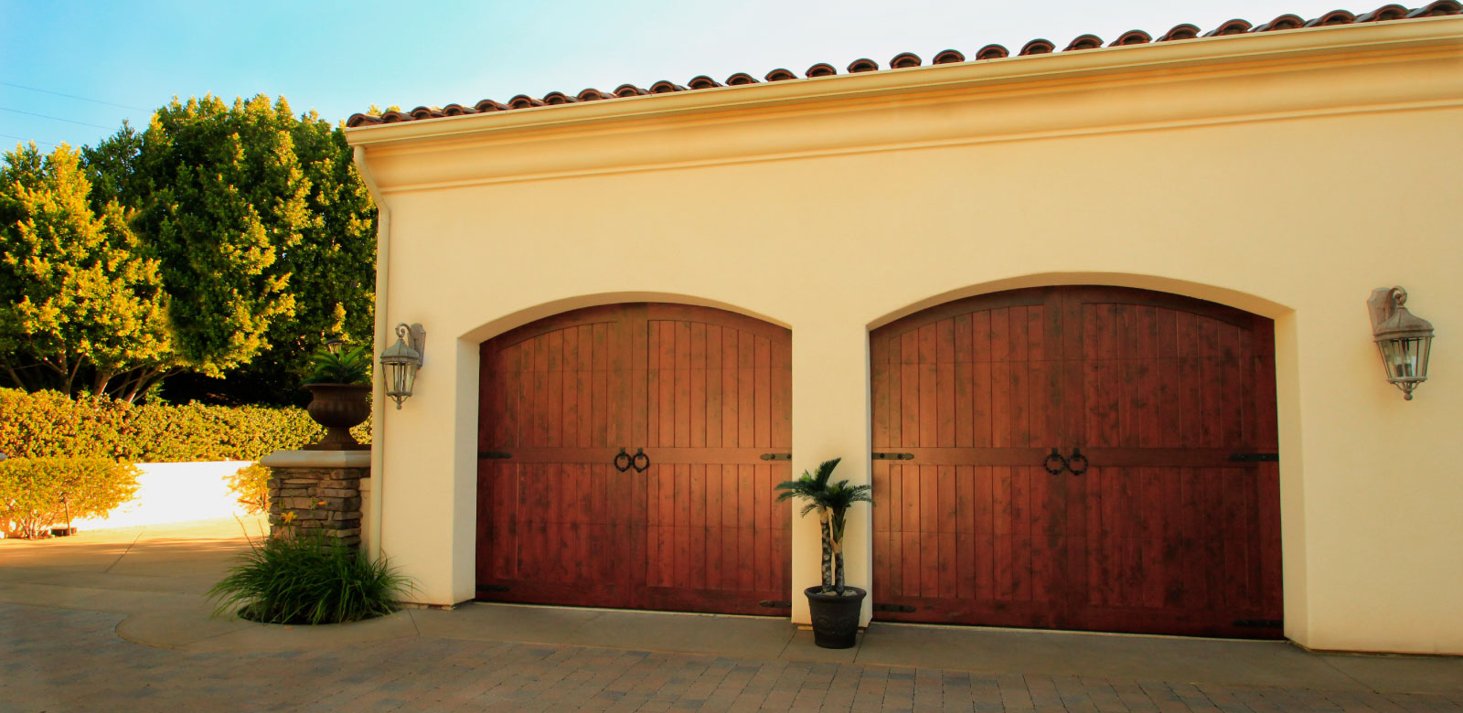 Garage doors unlimited gdu garage doors san diego for 2 door garage door